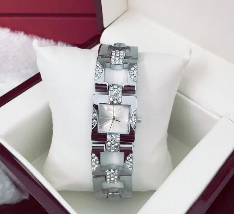 Đồng hồ dây lắc nữ thời trang AM42 1