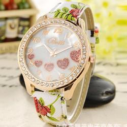 Đồng hồ hoa văn xinh xắn dành cho bạn nữ - 160