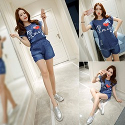 Bộ áo kiểu tay con in họa tiết Family và quần short xinh xắn - AV5283
