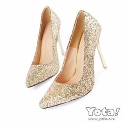 Giày cao gót đính kim tuyến vàng
