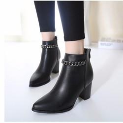 Giày boot nữ cổ ngắn đế vuông màu đen 8cm