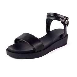 Giày bánh mì quai cá tính