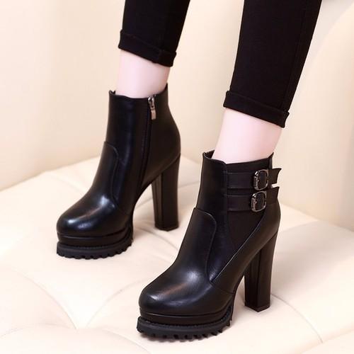 Boot nữ đế vuông da bóng sành điệu