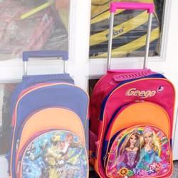 ba lô kéo đi học, màu hồng in hình công chúa cho bé gái tiểu học