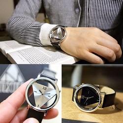 Đồng hồ tam giác giá rẻ màu đen