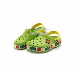 Dép sục nhựa chống hôi chân Crocs. Lego. trẻ em màu xanh lá cây
