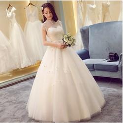 Áo cưới kín đáo, xòe công chúa cổ lưới ren dễ thương