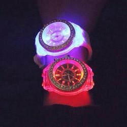 Đồng hồ teen led