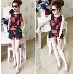 Set quần áo họa tiết hoa hồng