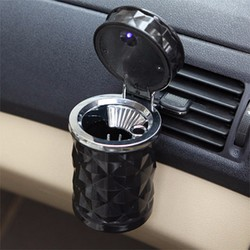 Gạt tàn trên xe ô tô
