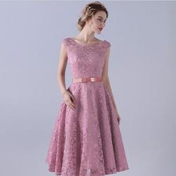 Đầm xòe ren nổi màu hồng dự tiệc cực sang