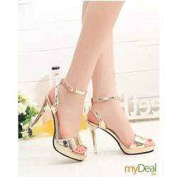 Giày cao gót vàng ánh kim