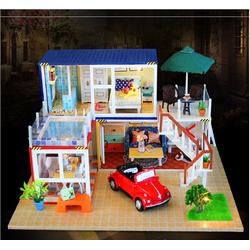 Mô hình biệt thự liên hợp sân vườn với xe hơi màu đỏ