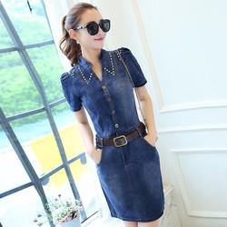 Đầm jean body cổ trụ đính hạt V phối túi thời trang - DTP1175
