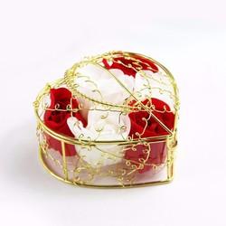 Quà Tặng 8-3 - Hộp Hoa Hồng Sáp Trái Tim Khung Vàng