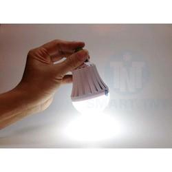 Bộ 5 bóng đèn 12w tích điện smart charger giá rẻ cúp điện vẫn sáng