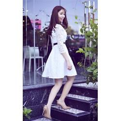 Đầm xoè ren tay ngắn đơn giản