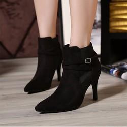 Giày boot nữ cổ ngắn hiện đại sang trọng GBN12801