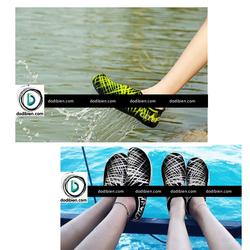 Giày thể thao đi biển