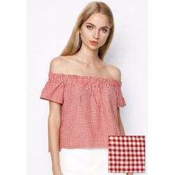 Áo bẹt vai họa tiết caro màu đỏ