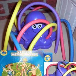 đồ chơi bạch tuộc phun nước hiệu Kids Stuff Canada. 9015834