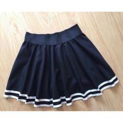 Chân váy xòe đen viền trắng dễ thương