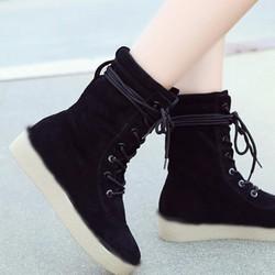 Giày boot bánh mì da lộn cột dây cổ nhúng lửng size 35