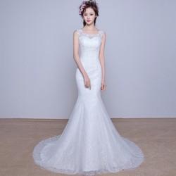 Váy cưới đuôi cá, có vai áo ren tinh tế