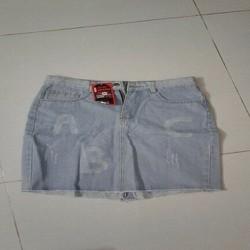 Chân váy jean ngắn