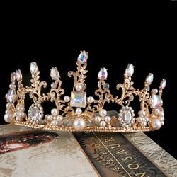 Vương miện vàng đồng, đính hạt trai và đá pha lê màu