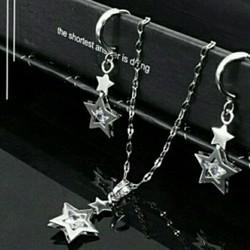 Bộ trang sức ngôi sao trắng