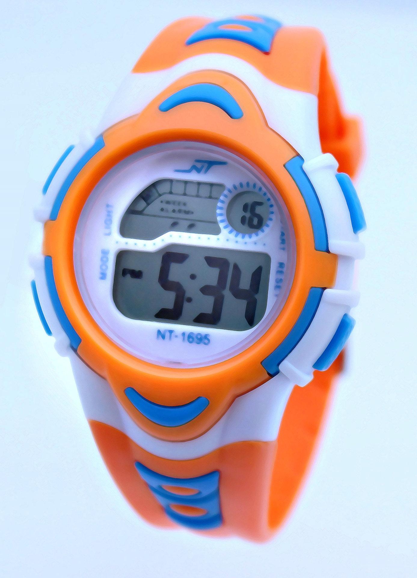 Đồng hồ điện tử trẻ em NC789 4