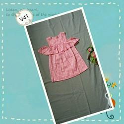 Váy hồng tim bé gái