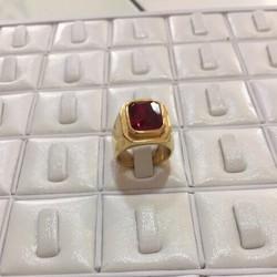 Nhẫn nam đính đá đỏ
