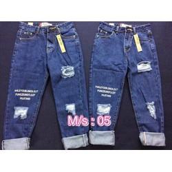 quần baggy jeans rách phối chữ sành điệu