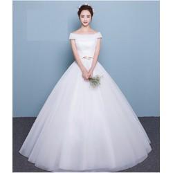 áo cưới trễ vai, đơn giản nhưng thanh lịch, tùng xòe gọn nhẹ