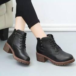 Giày boot nữ gót gỗ màu đen