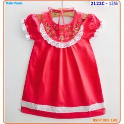 Đầm cổ yếm thêu hoa trễ vai sành điệu cho bé ngày hè