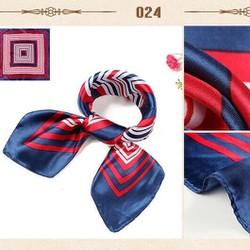 khăn satin vuông đồng phục