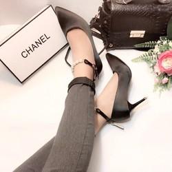 Giày cao gót có quai thời trang