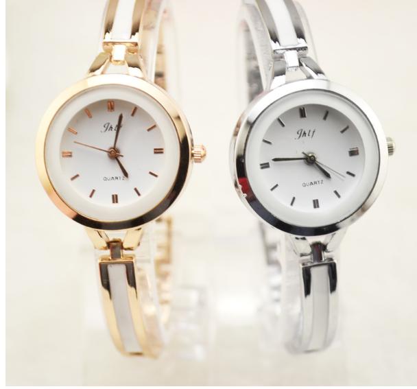 Đồng hồ nữ lắc tay đính đá thời trang JW 7
