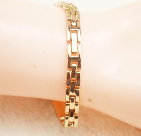 Đồng hồ nữ lắc tay đính đá thời trang JW 5