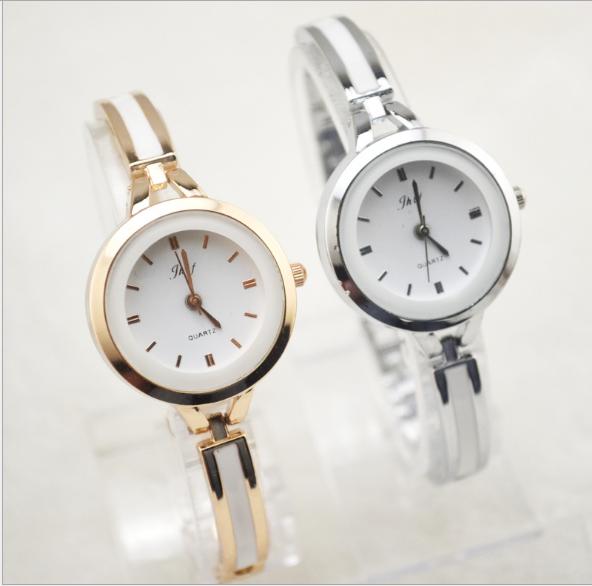 Đồng hồ nữ lắc tay đính đá thời trang JW 6