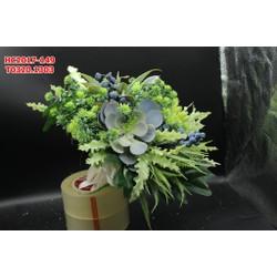 Hoa cưới cầm tay tông chủ đạo màu xanh phu hợp cho đi chụp ngoại cảnh