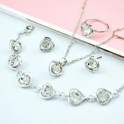 Bộ trang sức trái tim trong trắng