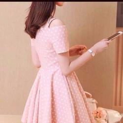 Đầm xoè chấm bi khoét vai