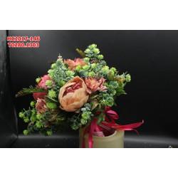Hoa cưới cầm tay được làm từ những hoa vải đẹp tự nhiên