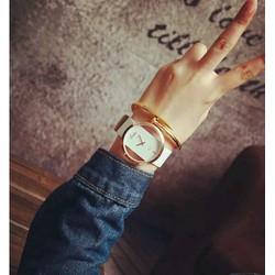 Đồng hồ sành điệu cho cả nam và nữ