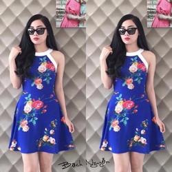 Đầm xòe hoa cổ yếm Bạch Nguyễn
