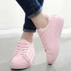 Giày thể thao xinh xắn